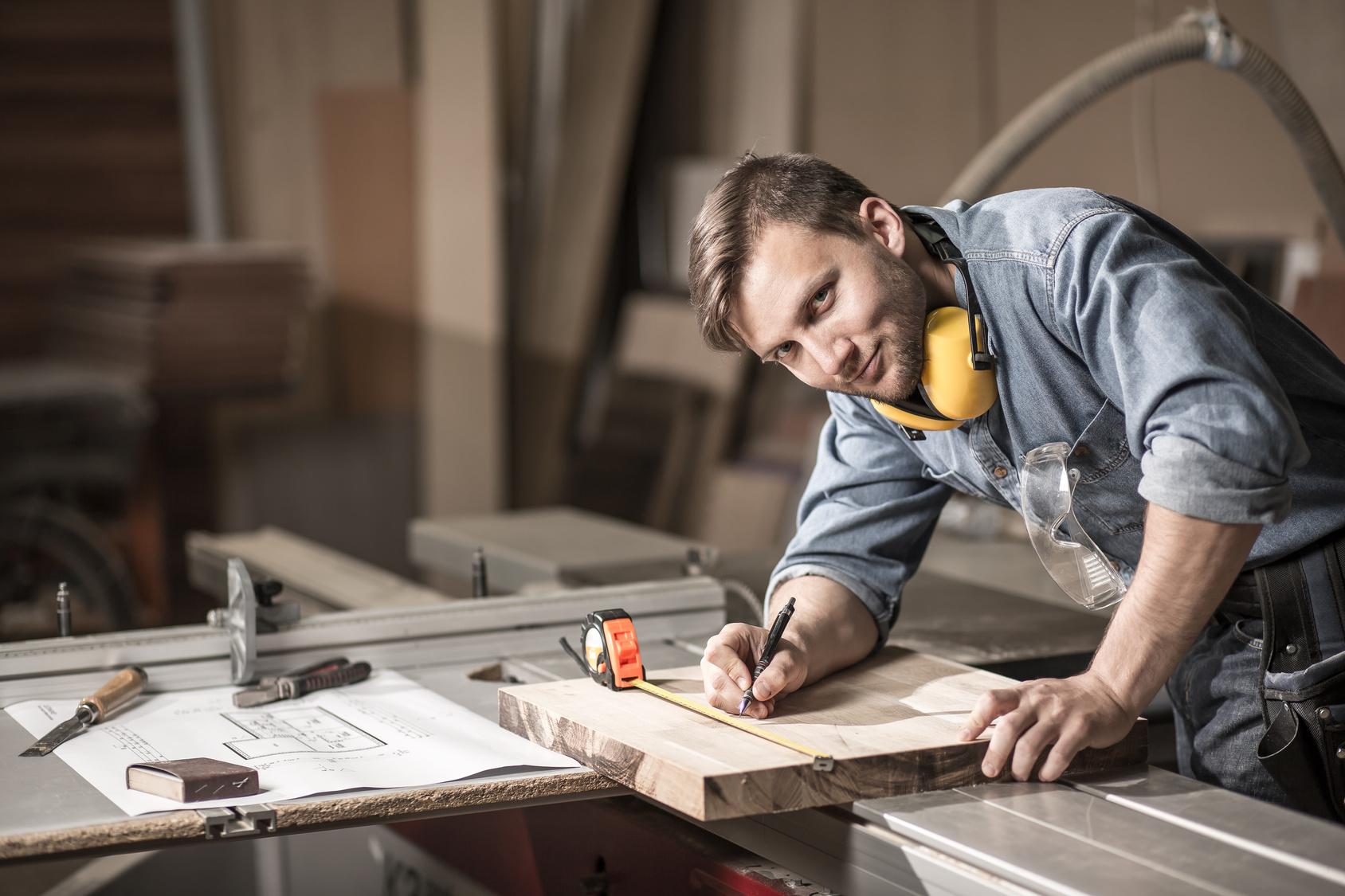 Ihre Küchen Schreinerei für Schreinerarbeiten in der Region Bern/Thun